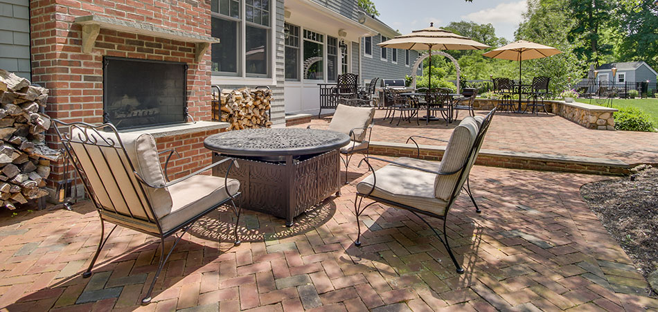 Charmant A Patio Gives Your Home A Great Outdoor Space Where You Can Enjoy Your  Dinner, Read A Book Or Simply Relax As You Watch The Children Play.